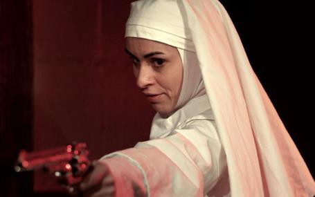 機關槍修女 Nude Nuns with Big Guns